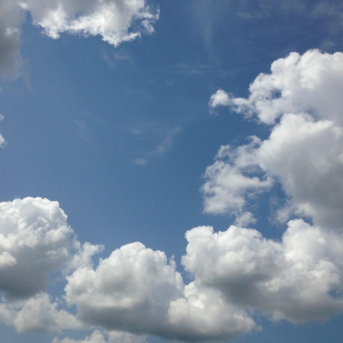 0407 sky blue